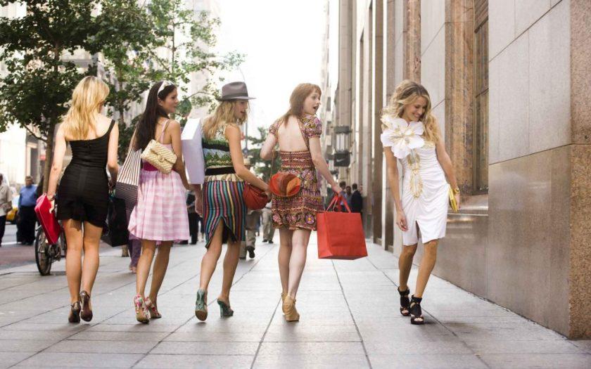 Chicas de compras por Nueva York
