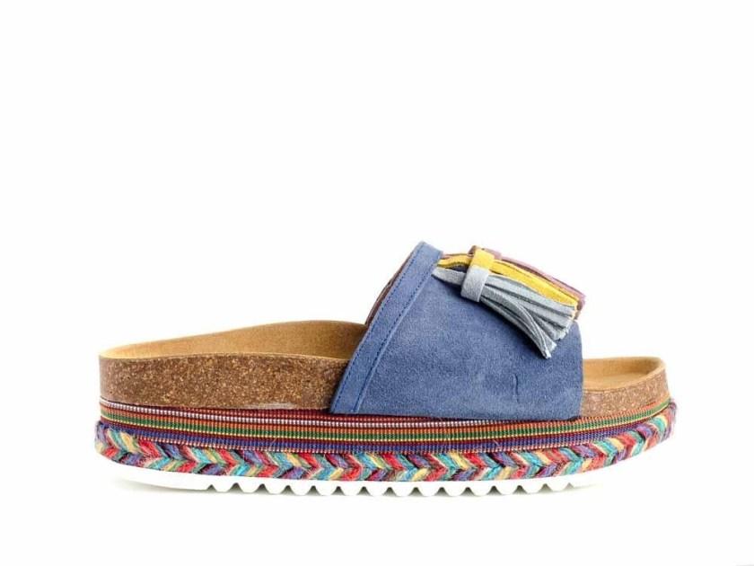 Sandalias azules de piel con plataforma de colores marca Tiziana 15 y con pompones