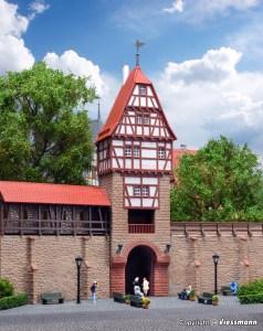 Kibri - Muralla con Torre de entramado de madera en weil, Kit para montar, Escala H0, Ref: 38914.