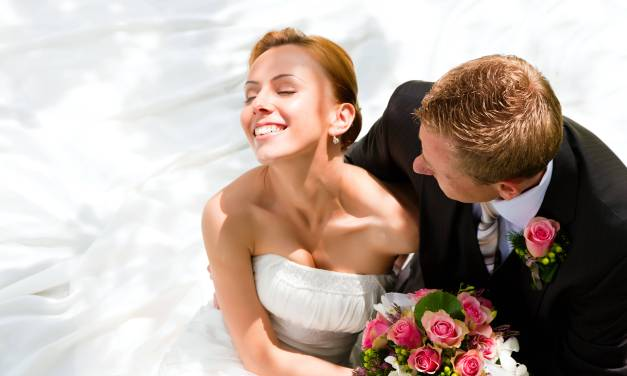 Step-by-Step Guide To Planning A Wedding