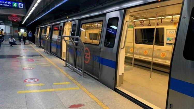 Metro in New Delhi