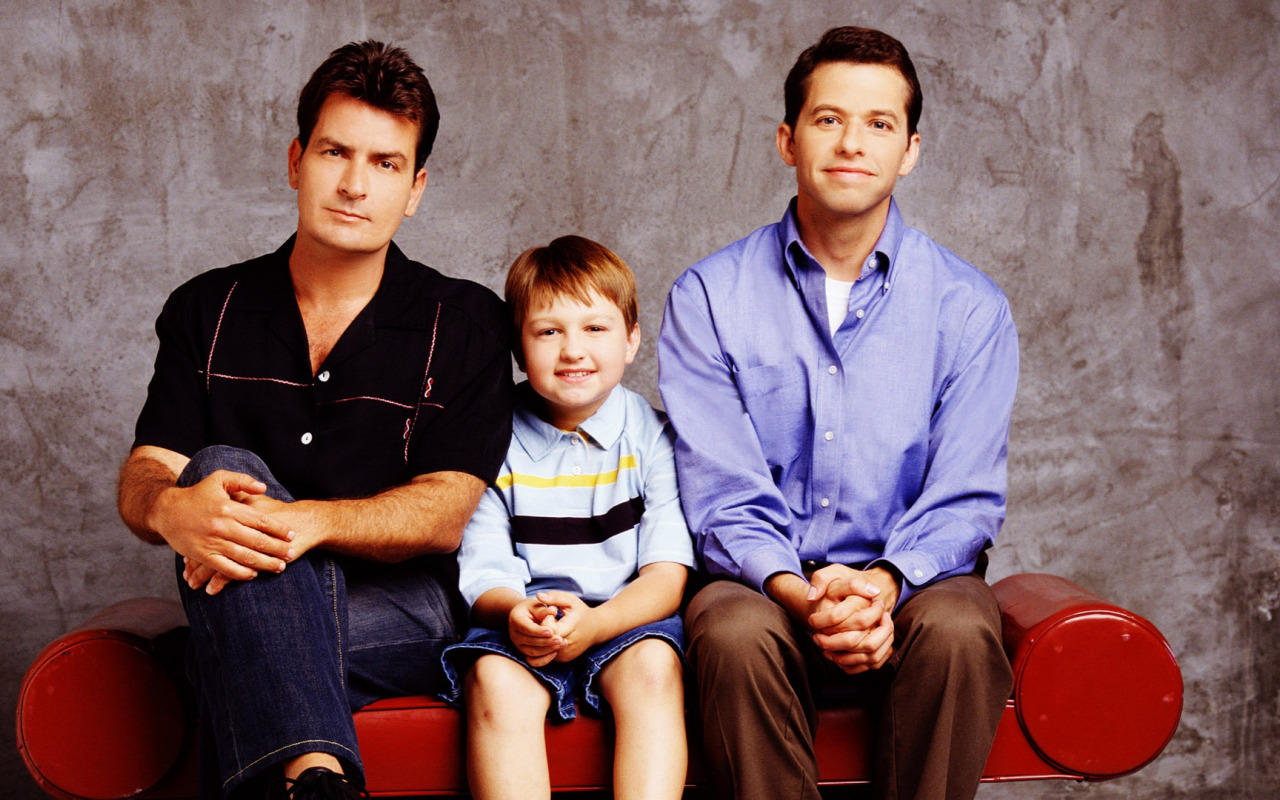 Carlie, Alan and Jake in two and a half men