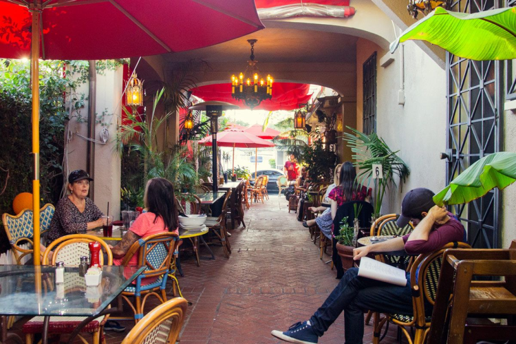 aroma cafe, restaurants at studio city, la