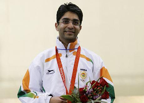 Abhinav Bindra makes gold for India in Olympics (1/2)