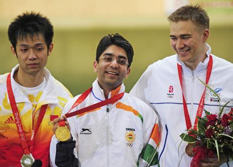 Abhinav Bindra makes gold for India in Olympics (2/2)