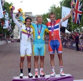 Vinokourov, Uran eta Kristoff Londreseko podiumean