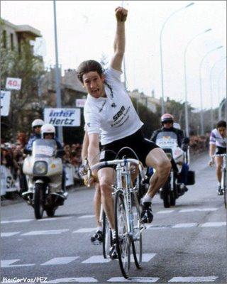 Kelly, Paris-Nizako liderraren maillota soinean eta etapa irabazten