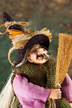 La Befana, the good witch of Italian Christmas!