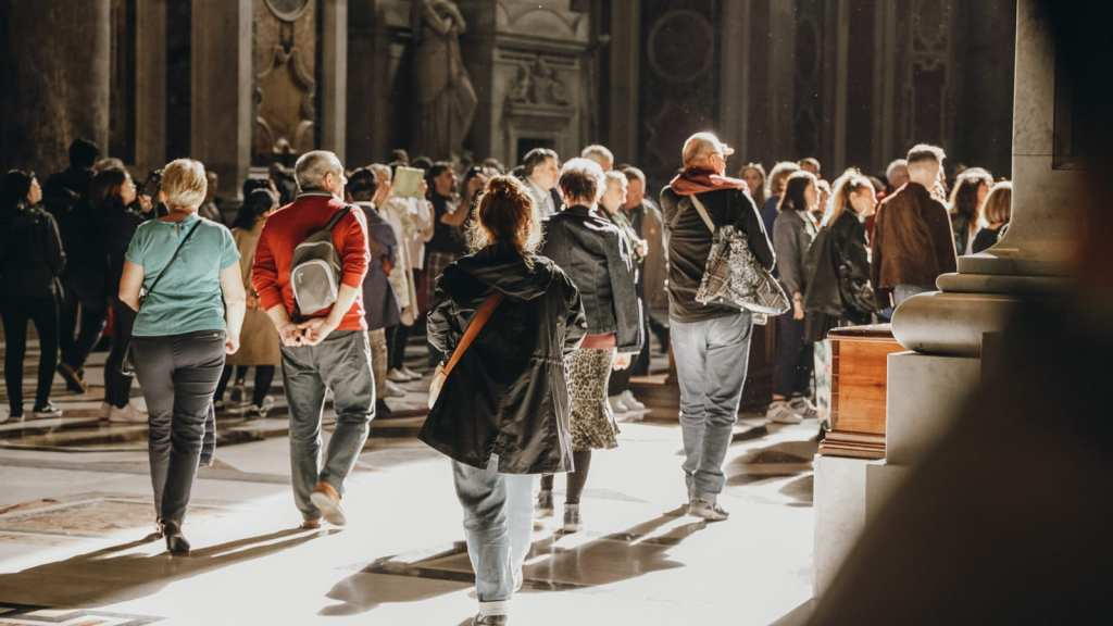Dress code at the Vatican City - What to wear