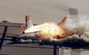 Otro avión estrellado a propósito