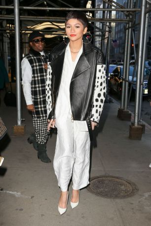 zendaya-style-out-in-new-york-city-february-2015_4