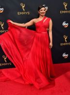LOS ANGELES, CA - SEPTEMBER 18: Actress Priyanka Chopra attends the 68th Annual Primetime Emmy Awards at Microsoft Theater on September 18, 2016 in Los Angeles, California. (Photo by Alberto E. Rodriguez/Getty Images)
