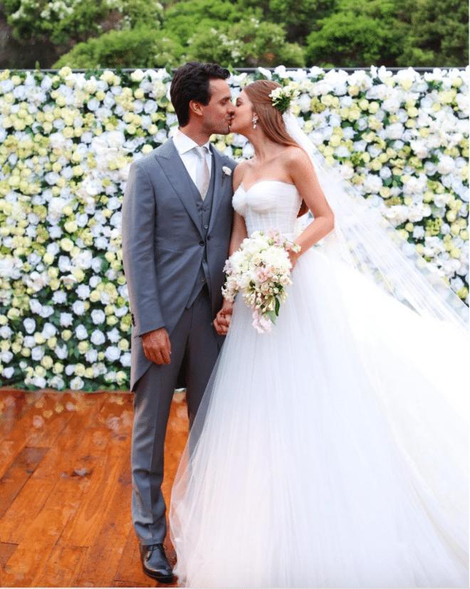 O vestido de noiva das famosas como Marina Ruy Barbosa.