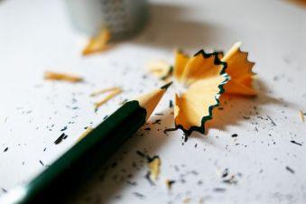 MICRO-FICTIONS tranchantes - taille crayon