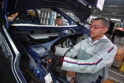 Peugeot 208 _ Montage (5)