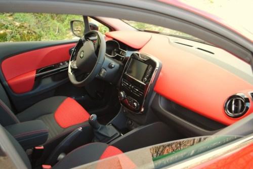 CLIO ESTATE RS 051