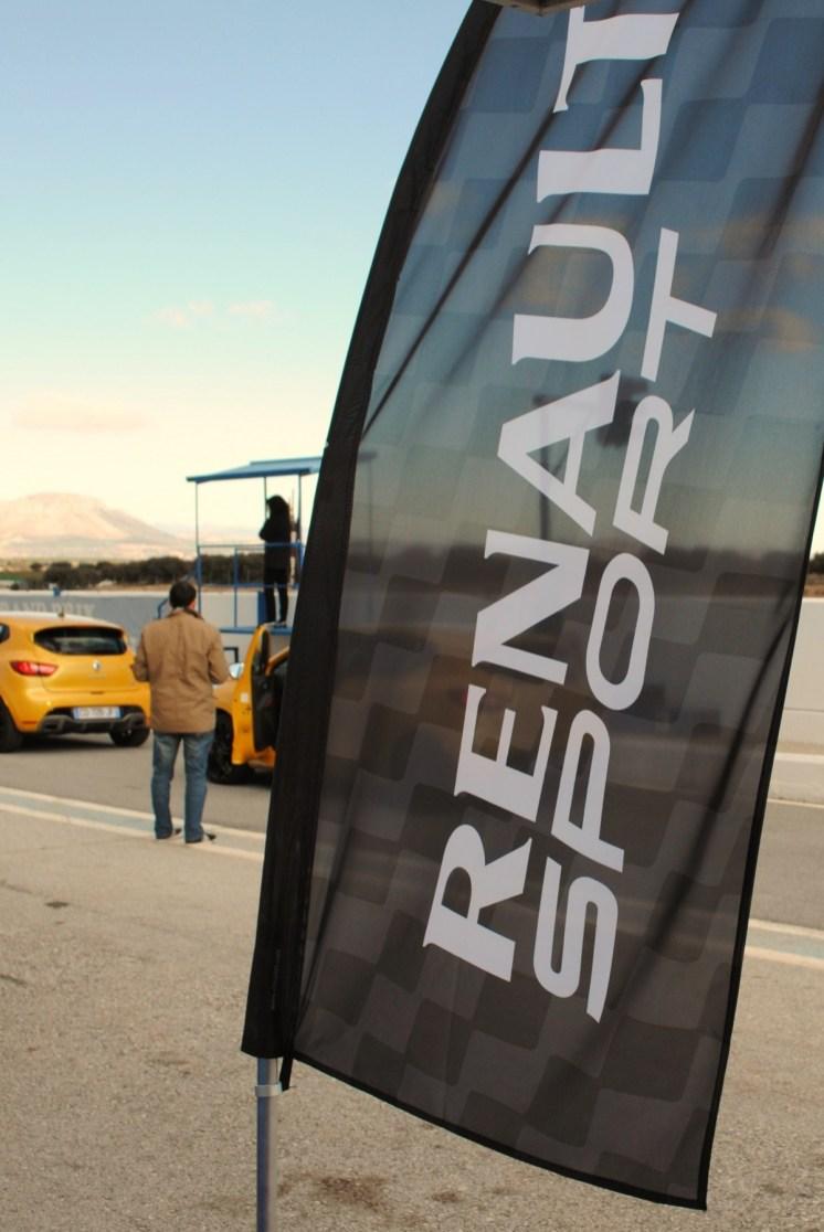 CLIO ESTATE RS 157