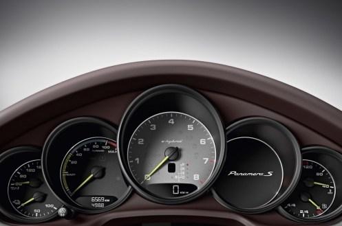 2014-Porsche-Panamera-6[2]