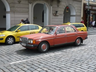 Mercedes W123 01