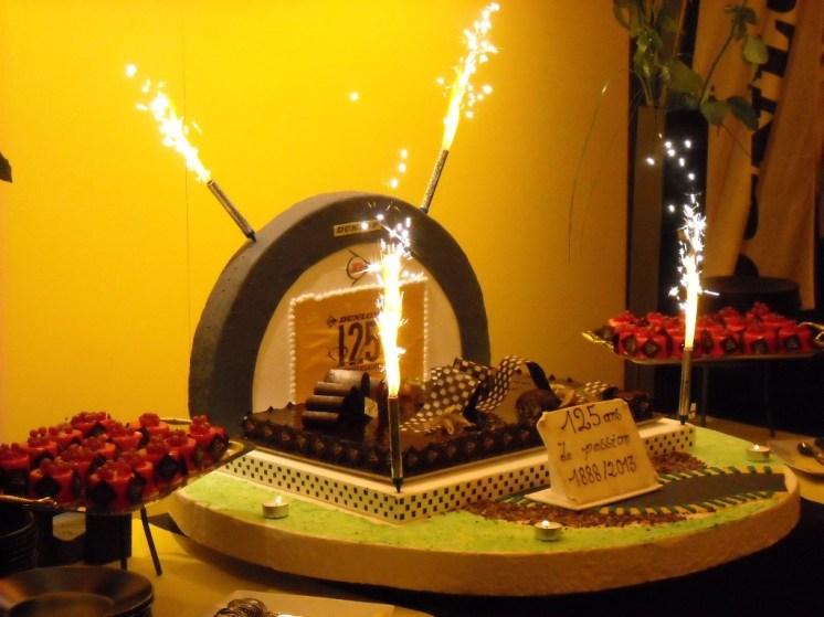 Gâteau 125 ANS Dunlop (1)