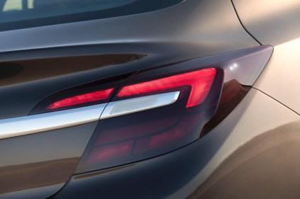 Opel-Insignia-286337-medium