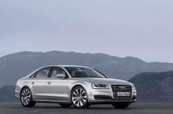2014-Audi-A8-13[2]