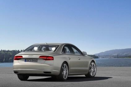 2014-Audi-A8-4[2]