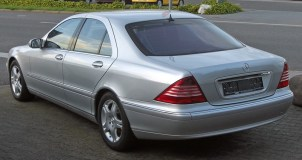 Mercedes_S320CDI_(W220-Facelift)_rear