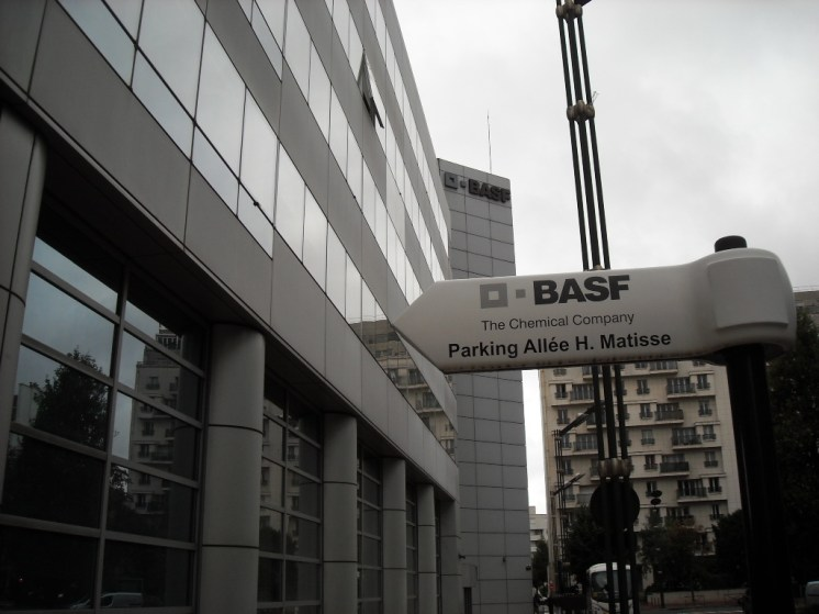 BASF Chimie Voiture (1)