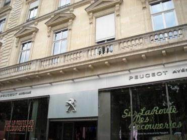 Façade Peugeot Avenue