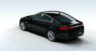 Jaguar XF Black edition