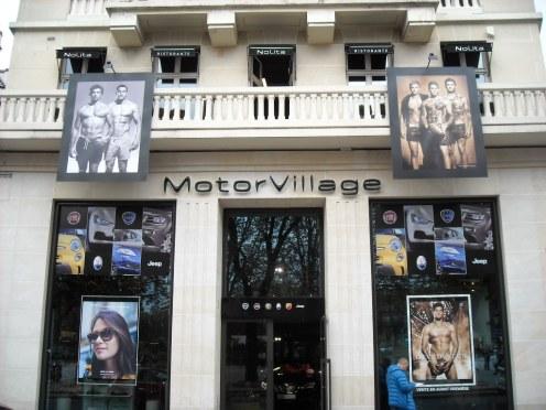 MotorVillage Champs-Elysées Paris (2)