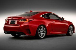 2015-Lexus-RC-rear-three-quarters