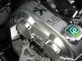 Capot moteur 208 HYbrid FE (4)