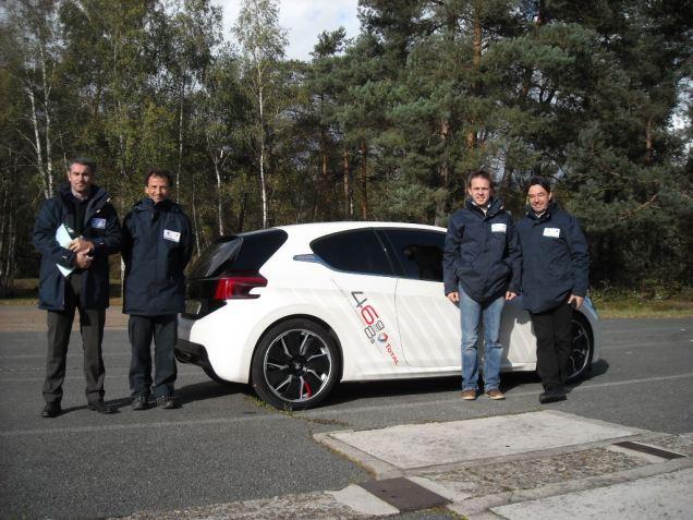 Equipe Peugeot Total Hybrid FE
