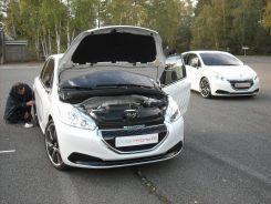 Peugeot 208 HYbrid FE (16)