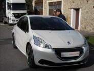 Peugeot 208 HYbrid FE (19)