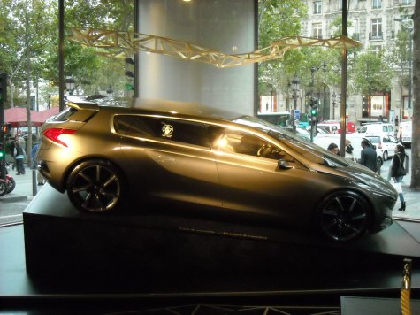 Peugeot HX1 Concept (14)
