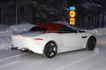 Jaguar F-Type avec moteur L4 Turbo spy