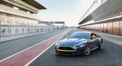 Aston Martin N430 V8 Vantage (1)