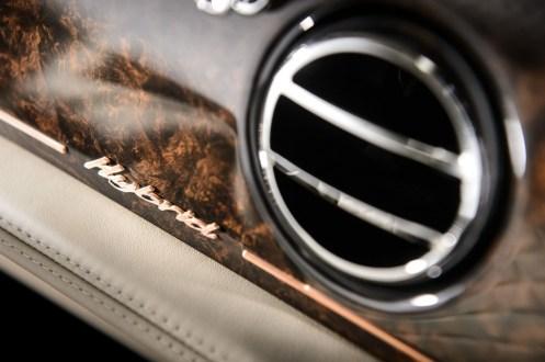 Bentley_Hybrid_Concept_Interior_Badge_2