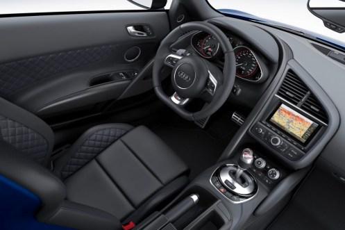 Audi-R8-LMX-12