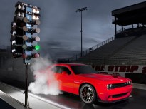 Dodge-Challenger_SRT_Hellcat_2015.1