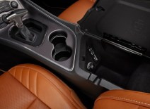 Dodge-Challenger_SRT_Hellcat_2015.16