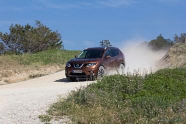 Nissan-X-Trail-2014--35