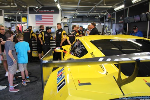 stands-corvette-racing-24HLM-70
