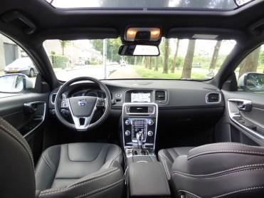 Volvo V60 D6 AWD Plug-in Hybrid 08