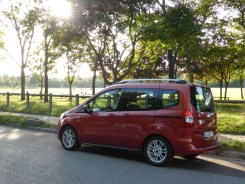 Ford Tourneo Courier 27