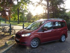 Ford Tourneo Courier 31