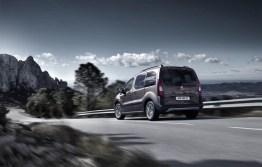 2015_Peugeot-Partner_08